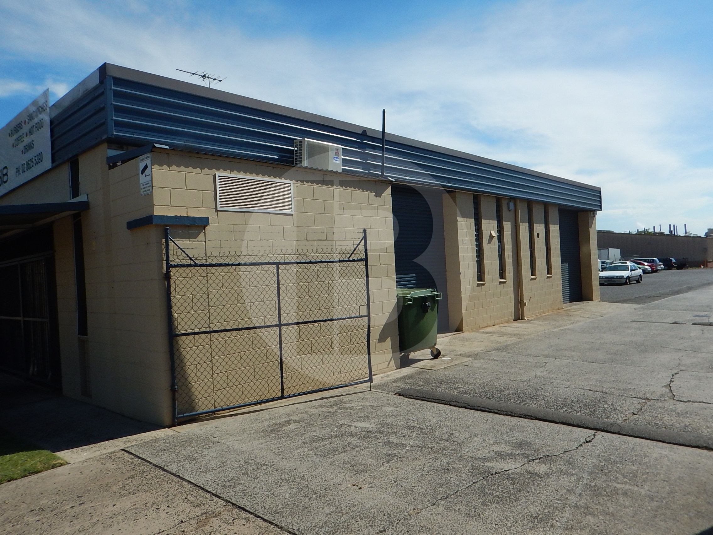 Street Frontage Unit. Parking Available On Site