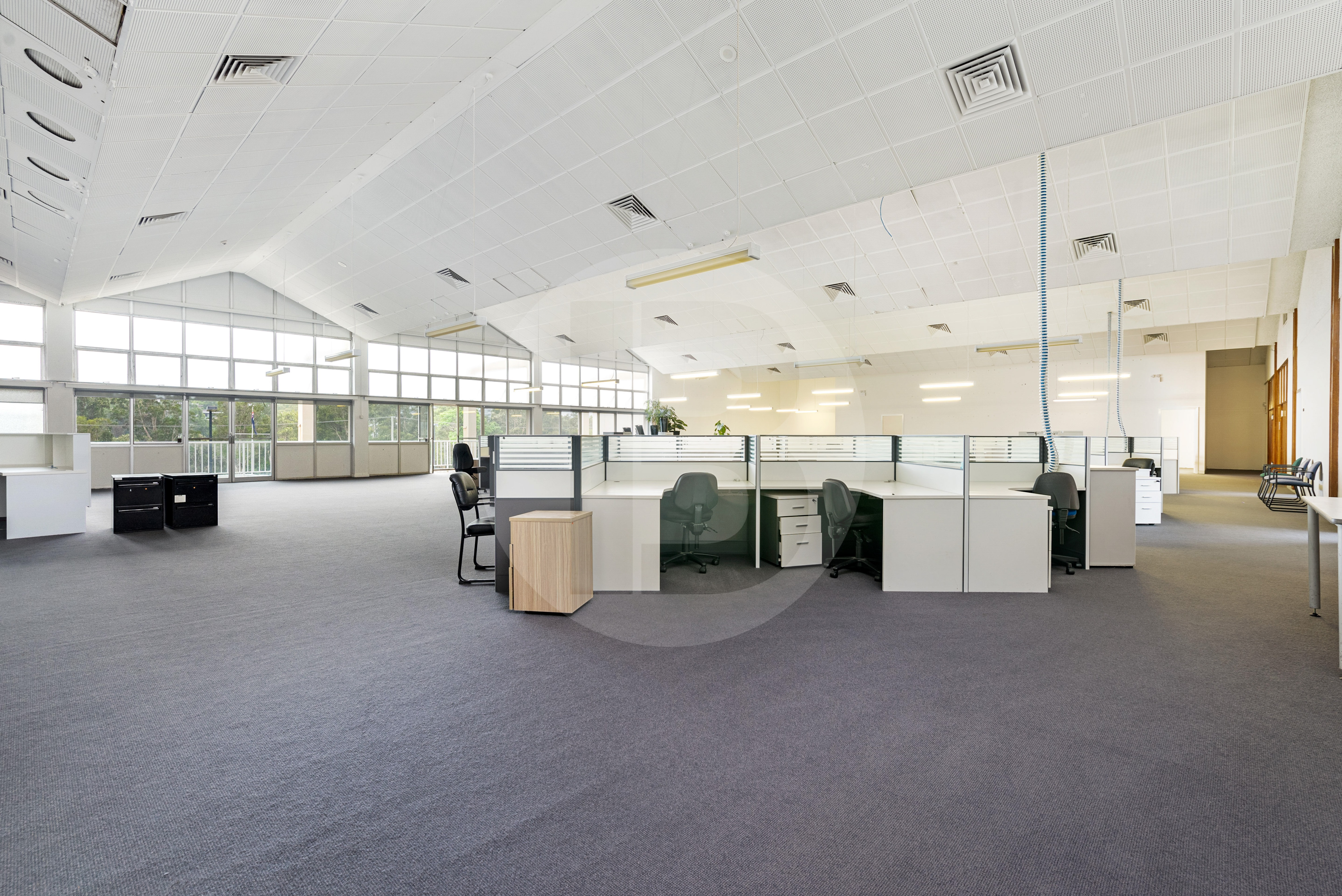 FIRST FLOOR OFFICE AREAS FROM 400sqm TO 871sqm